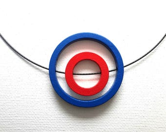 """Pendant Blue & Red Circles on 18"""" memory wire choker"""