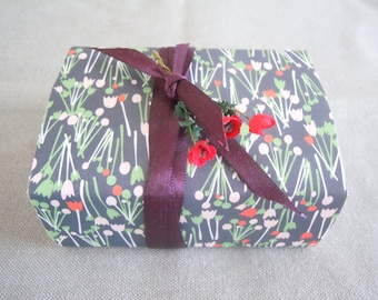 Spring Flowers Message Box