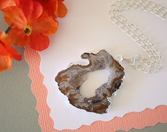 Geode Necklace Silver, Crystal Necklace, Geode Agate Slice, Druzy Pendant, Natural Geode, GS66