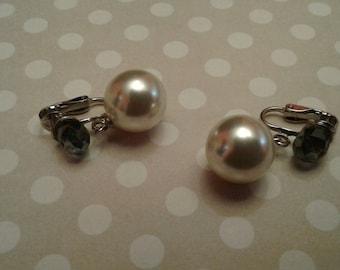 Faceted Czech Glass and Faux Pearl Clip On Dangle Earrings, Repaired