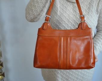 Vintage ITALIAN LEATHER BAG , women's shoulder bag...............(516)