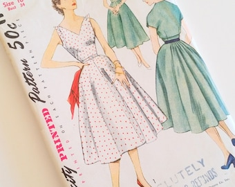 Vintage 1950s Dress Pattern / Misses' One-Piece Dress and Short Jacket / Simplicity 8479 / Bust 34