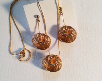 Vintage 1970 Spiral Necklace and Earrings