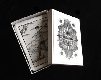 PREORDER; The Efflorescent Tarot Deck: Black and White Cards