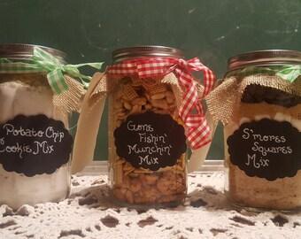 In a jar mixes