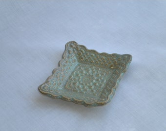 Green/Turquoise Stoneware Doily Plate