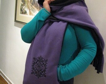 Black/Purple Hooded Scarf with Pockets