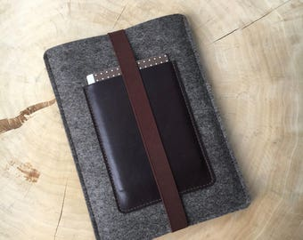 Cover for ipad Pro 10.5 from wool felt & leather, brown