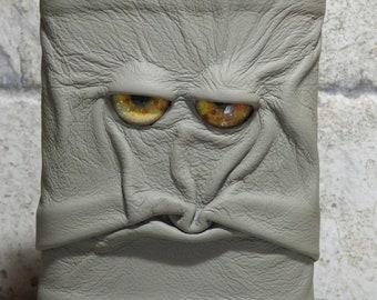 Tasche Kolben 8 Unze grau Leder mit Gesicht Monster Goth Horror Trauzeugen Geschenk ein von einer Art 71
