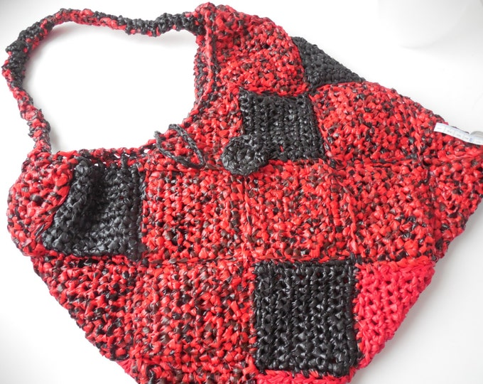 Purse - Bag - Tote - Plarn - Black and Red - Crochet