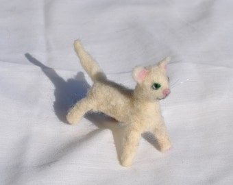 Cat white needle felted with green eyes