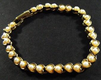 Vintage 80's Heart Shaped Faux Pearl Bracelet