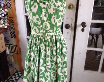 50's green and white sleeveless fit and flare cotton summer dress