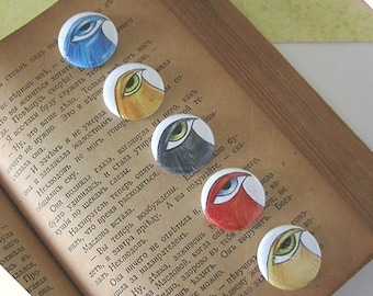 Big Eyed Birds - Set of 5 - Pin Back Buttons - 1 inch