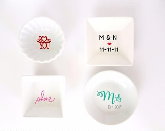 Cute ring dish. Trinket tray with date and initials. Monogrammed Ring tray. Bridal shower gift. Jewelry dish. Monogram tray