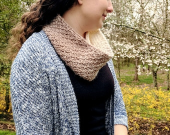 Honeycomb Scarf | Cream and taupe