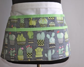Cactus Teacher Apron, Utility Apron, Teacher Apron, Women's Vendor Apron, Carpenter Apron, Money apron, Cactus apron, teacher pocket apron