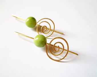 Spiral wire earrings made of brass wire metal and green jade