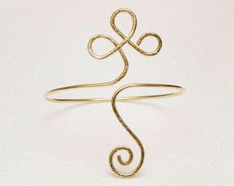 Brass Armlet, Celtic design upper arm cuff bracelet, Brass Armlet, brass Arm Cuff,textured brass armcuff