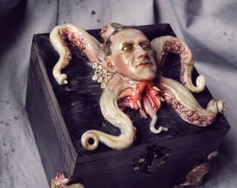 Gothic Howard Phillips Lovecraft box creepy tentacles horror casket