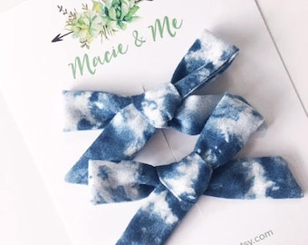 Blue Tie Dye Pigtail Bows / Girls Hair Bows / Alligator Clip / No Slip Grip / Macie and Me / Pigtail Bows / Hand Tied