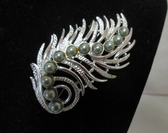 Beautiful Silver Sarah Coventry Brooch Gray pearls with great detail Large Brooch