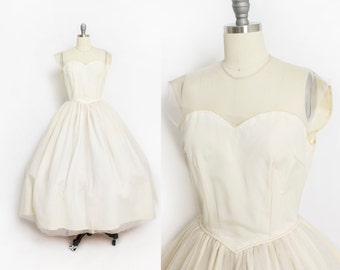 Vintage 1950s Wedding Dress - Ivory Lace + Tulle Illusion Sweetheart Full Skirt Gown - Small