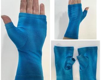 Turquoise blue tie dye fingerless gloves, wrist warmers in bamboo blend.