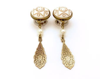 "Vintage Style Plugs 1/2"", 7/16"" 000g, 9/16"", 5/8"" Bronze Teardrop Gauged Earrings 12mm/14mm/11mm/16mm Dangle Plugs with Cream Star Cap"