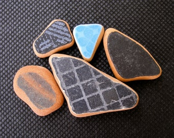 Black/Blue Patterned Sea Pottery,Sea Terracotta  Beach Pottery Lot,Ring/Pendant Sized,  Mosaic Pieces