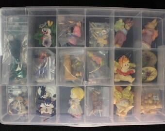 Plastic tote of Vintage Figurines & decorations !