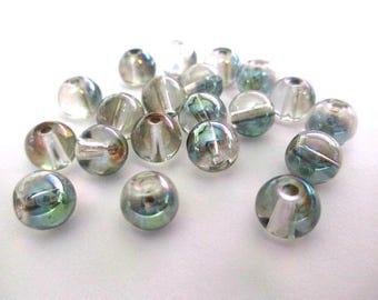 10 beads transparent green iridescent shiny glass 8mm