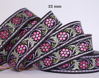 Embroidered Jacquard lace * medieval * 22mm wide