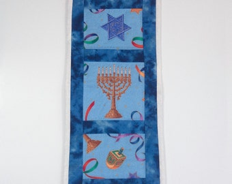 Hanukkah mini quilt wall hanging