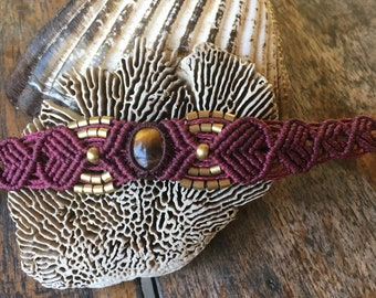 beautiful tigereye macrame bracelet