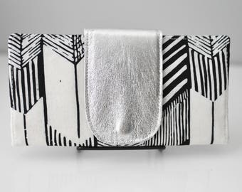 Bifold Wallet / Arrow Print Wallet / Women's Wallet / Leather Wallet