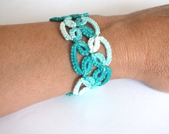 Aqua Green Tatted Bracelet, Green Tatted Lace Bracelet, Tie dye Green Petals tatting bracelet, Lace Woman Bracelet, Green Thread Bracelet,