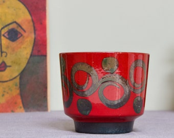 Marei, West Germany: Ceramic Planter / Plant Pot from the Fat Lava Era in Red with Khaki Swirls - Pop Art - Vintage Pottery