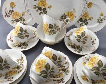 Royal Standard Sunset Yellow Roses 21 Piece Tea Set.