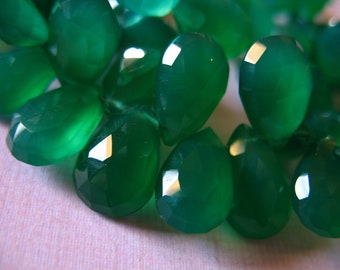 CHALCEDONY Briolette, PEAR Beads Briolettes, Luxe AAA, 6 pcs, 12-14 mm, Green Onyx, brides bridal weddings may 1214