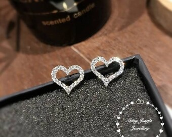 Diamond Heart earrings, diamond stud earrings, Diamond simulant, white gold plated sterling silver, birthday gift, studs, diamond earrings