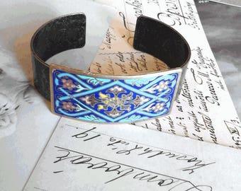 Art Nouveau cloisonné enamel and typical floral Bangle Bracelet