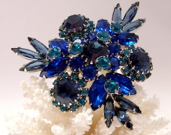 Large Blue Rhinestone Brooch Unmarked Great Quality , Beautiful Mother's Day Gift
