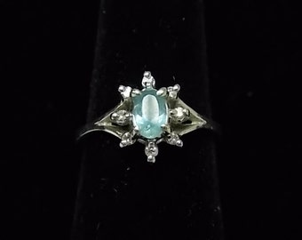 Exquisite Vintage Estate 14K White Gold Womens Ring w/ Stones  2.47g #E1065