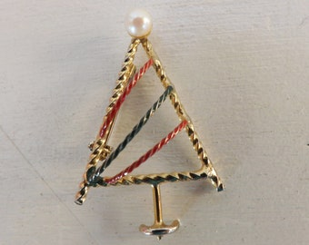 Vintage Christmas tree brooch pin red and green enamel pearl 12K gold brooch