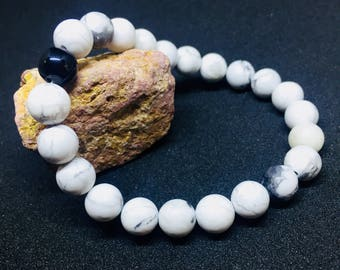 White Howlite Beaded Bracelet.