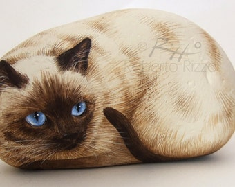 Irresistible Siamese Cat Painted on A Sea Stone   Rock Art by Roberto Rizzo