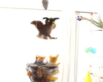 Waldorf OWL Mobile with a nest and 2 owlets, Guardian Angel, needle felted nursery decoration, cot crib mobile, children room deco, woodland