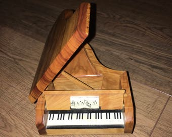 Vintage Reuge Piano Music Box, Wood Swiss Musical Movement,  collectors jewelry box, Trinket box, Baby Grand piano