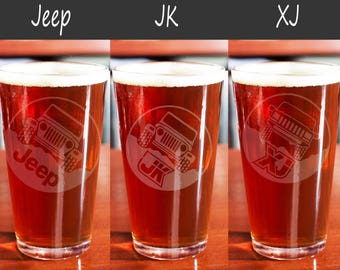 Jeep pint glass, etched jeep, beer pint glass, offroad, pub glass 16oz, Jeep wrangler